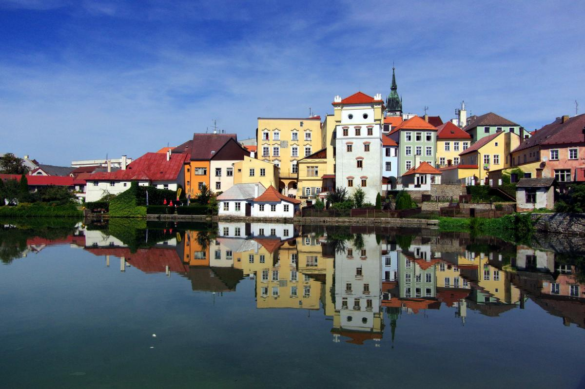 Learn Basic Czech Online or Offline with 100 Free Audio Lessons for Web, iOS + Android