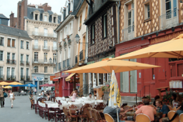 Learn French Phrases Essential for Travel, Free from BBC Languages